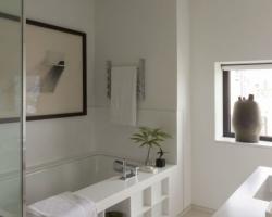 ديكور حمام مريح وهادئ