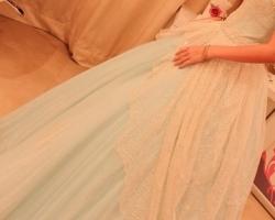 فستان شبكة مميززززز من تصميم وتفصيل دار الهنوف والصور موجووودة لايفووووووووتكم والله